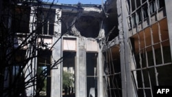 Здание парламента Турции после бомбардировки мятежниками (Анкара, 16 июля 2016 года)