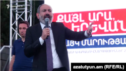 Armenian Prime Minister Nikol Pashinian speaks at a rally for Yerevan mayoral candidate Hayk Marutian, Yerevan, 10Sep2018