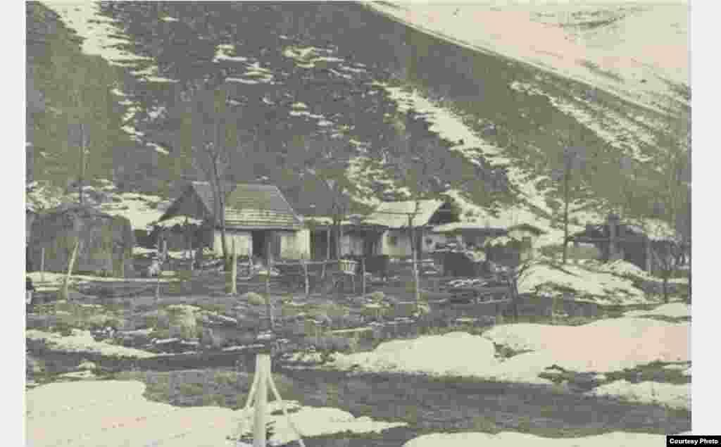 Вспомогательные постройки на станции Байтик. 1952 год.