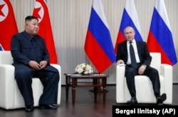 Președintele rus Vladimir Putin și liderul nord-corean Kim Jong Un , Vladivostok, 25 aprilie 2019