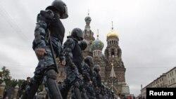 Сотрудники сил безопасности в России в Санкт-Петербурге. Иллюстративное фото.