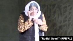 Заррина Бадалова в роли матери, потерявшей двух сыновей в Сирии