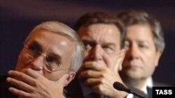 Партнеры бывшие и будущие. Канцлер-отставник в плотном окружении российского бизнеса