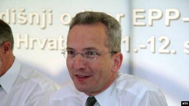 Stefan Lehne