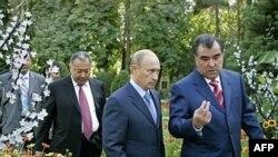 По мнению наблюдателей, Владимиру Путину не удалось вывести СНГ на большую дорогу, да он к тому и не особенно стремился