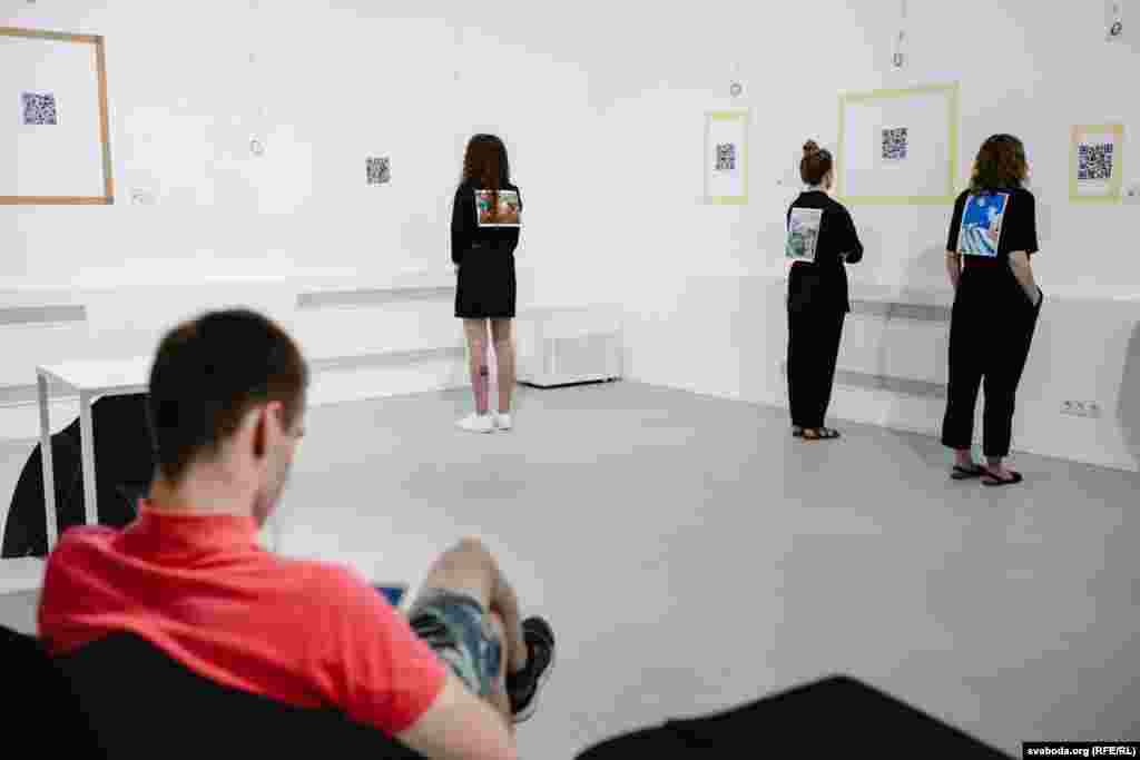 Пэрформанс у галерэі«Арт-Беларусь»