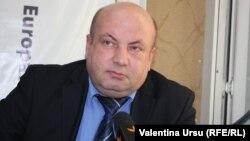 Economistul Viorel Chivriga în studioul Europei Libere la Chișinău