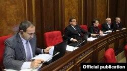 Члены фракции АНК на заседании парламента (архив)