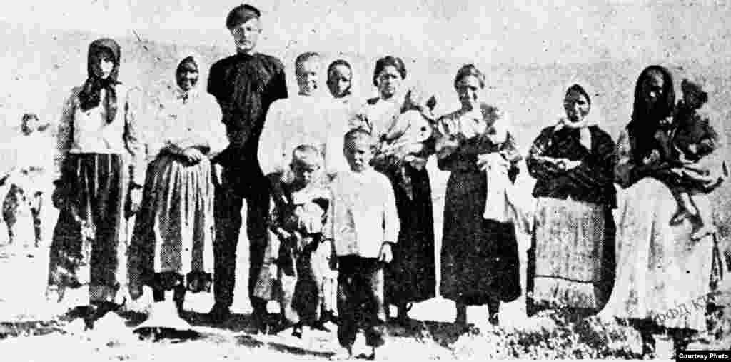Переселенцы в Туркестане, Обед. 1910 год.