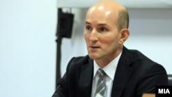 Гувернерот Димитар Богов.
