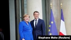 Emmanuel Macron cu Angela Merkel
