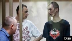 Олег Сенцов і Олександр Кольченко на суді