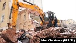 Большой Козихинский переулок давно находится в эпицентре скандала между застройщиком и активистами по спасению исторического центра Москвы