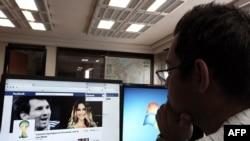 Эксперты считают, что социальные сети стали поставщиками информации