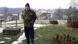 Anto Marić na temeljima kuće Keroševića