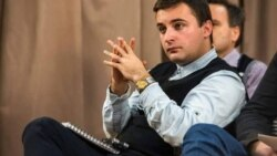 Адмир Фазлагиќ, апсолвент на Економскиот факултет при УКИМ во Скопје, работи како новинар-водител во Македонско радио,Трет програмски сервис, програма на босански јазик. Соработник е на неколку балкански новински агенции.