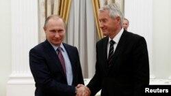 Владимир Путин и Турбьерн Ягланд (архивное фото)