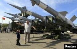 """Демократы считают, что ни США, ни Россия не заинтересованы в новой """"гонке вооружений"""""""
