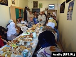 Амурдагы Комсомольскидагы милли үзәктә бәйрәм ашы