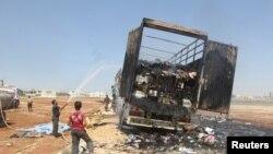 Затушить пожар гражданской войны в Сирии пытаются в равной степени обе стороны конфликта. Методы у них одинаковые. Цели — разные.