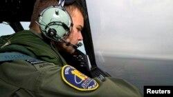 نیروی هوایی سلطنتی استرالیا در حال جستجو برای یافتن قطعات بوئینگ ۷۷۷.