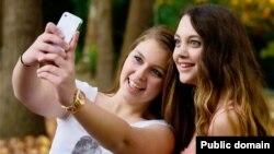 Хәзерге яшьләр төшергән фотоларның 30% selfie икән