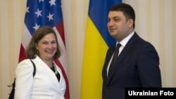 Помічник державного секретаря США з питань Європи та Євразії Вікторія Нуланд та прем'єр-міністр України Володимир Гройсман