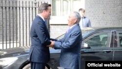 Премьер-министр Великобритании Дэвид Кэмерон и президент Казахстана Нурсултан Назарбаев (справа). 21 июля 2013 года.