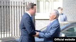 Ұлыбритания премьер-министрі Дэвид Кэмерон (сол жақта) мен Қазақстан президенті Нұрсұлтан Назарбаев. Лондон, 21 шілде 2013 жыл.