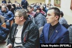 Дэпутат Міхаіл Рабцаў (справа)