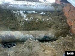 Незаконная врезка в нефтепровод стала причиной разлива нефтепродуктов на Ангаре