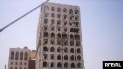 بناية الوزارة الخارجية المتضررة نتيجة انفجار كبير يوم الاربعاء 19 اب