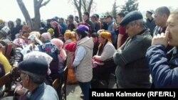 Жапаровдун тарапташтарынын митинги