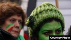İranlılar Parisdə müxalifətə dəstək mitinqi keçirirlər, 29 dekabr 2009