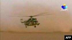 Helikopteri i ushtrisë së Algjerisë në shkretëtirë