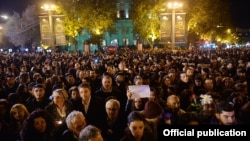 Armenia - Armenians attend a candlelight vigil held in Yerevan's France Square for victims of terrorist attacks in Paris, 14Nov2015.