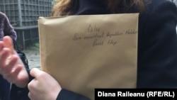 Plicul cu petiţia şi plicul cu plângeri, depus la Guvern