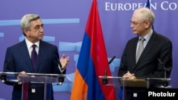 Belgium - European Council President Herman Van Rompuy (R) meets with Armenian President Serzh Sarkisian in Brussels, 06Mar2012.