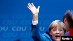 Германи -- Ангела Маркелина хIинцца хиина шен партино бундестаган харжамашкахь толам баьккхинийла, Берлин, 23Гез2013.