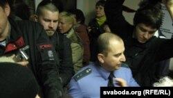 Прапаршчык-міліцыянт паспрабаваў затрымаць Ігара Банцара і Станіслава Пачобута