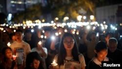 В начале июня Гонконг был одним из немногих мест в Китае, где в 30-ю годовщину событий на Тяньаньмэнь состоялись церемонии поминовения жертв. В материковом Китае власти стараются предать те события забвению