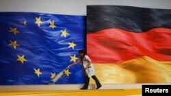 Флаги Европейского союза и Германии