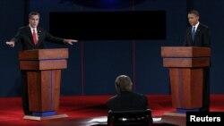 АҚШ президентлигига номзод Митт Ромни ва АҚШ Президенти Барак Обама 3 октябр куни илк дебатда қатнашди.
