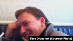 Андрэй Дзьмітрыеў пасьля вызваленьня з турмы КДБ, фота: Tima Dranchuk (facebook.com)