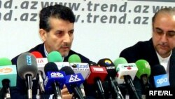 Iranian envoy to Azerbaijan Mohammad Bagir Bahrami (left) at a press conference in Baku (file photo).