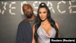 Ким Кардашян як ҳунарпешаву модели маъруф гуфт, ки ба муддати як рӯз саҳифаи худ дар Инстаграмро мебандад.
