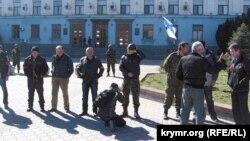 Архивное фото: захват Крыма, Симферополь, 3 марта 2014