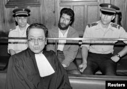 Жак Вэржэс на судовым працэсе ў справе лібанскага тэрарыста (1986)