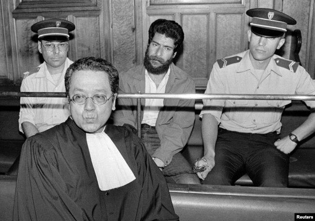 Жак Вержес на судебном процессе по делу ливанского террориста (1986)