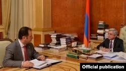 Vigen Sarkisian Serzh Sarkisiana hesabat verir